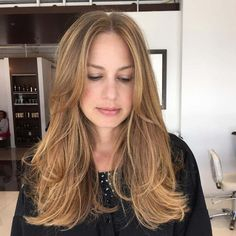Glamorized Layered Hairstyles and Haircuts for Women (2)