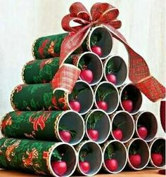 Simple and creative Christmas decorations Christmas Arts And Crafts, Homemade Christmas Gifts, Christmas Sewing, Diy Christmas Tree, Christmas Gift Wrapping, Christmas Holidays, Christmas Crafts, Christmas Ornaments, Christmas Paper