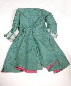 Dress coat National Trust Inventory Number 814598.1 Date1726 - 1735 MaterialsSilk damask, silk, taffeta, brocade, linen and wool CollectionDudmaston, Shropshire (Accredited Museum)