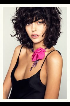 We are the parrrrty! Haircut For Thick Hair, Curly Hair Cuts, Short Curly Hair, Wavy Hair, Curly Hair Styles, Curly Bob, Corte Y Color, Great Hair, Hair Day