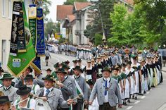http://www.merkur.de/lokales/region-miesbach/miesbach/gaufest-aibling-miesbacher-trachtlern-bilder-6624083.html