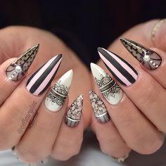 "Polubienia: 2,997, komentarze: 34 – ✨Celina Rydén✨ (@celinaryden) na Instagramie: ""Victoria's Secret Nails  Light Elegance hard gels used: ✨ Pink Paste Paint, Black Tie, Black Gel…"""