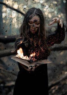 underground fantasy for your pleasure Witch Photos, Halloween Photos, Dark Art Photography, Creative Photography, Photography Books, Dark Fantasy Art, Fantasy Series, Rauch Fotografie, Halloween Photography