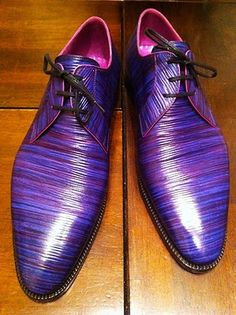I have to say that Japanese men are hands down the most bold when it comes to creating bespoke shoes, at least from what I have seen. This pair by Stefano Bemer, which I borrowed from some Japanese. Hot Shoes, Men's Shoes, Shoe Boots, Dress Shoes, Zapatos Shoes, Wing Shoes, Shoes Men, Gentleman Shoes, Derby