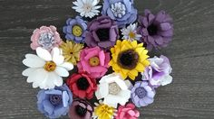 Florartistry: mixed flowers Create And Craft, Flower Making, Quilling, Paper Flowers, Floral Wreath, Wreaths, Nightingale, How To Make, Cards