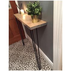 Stylish rustic console, with two excellent quality hairpin legs. Perfect for an entrance hallway. Made with reclaimed scaffold boards, which have… – hallway Hairpin Table, Hairpin Legs, Rope Shelves, Hanging Shelves, Industrial Style Furniture, Rustic Industrial, Scaffold Boards, Stair Landing, Small Hallways