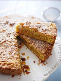 Gâteau aux amandes avec sa croûte craquante
