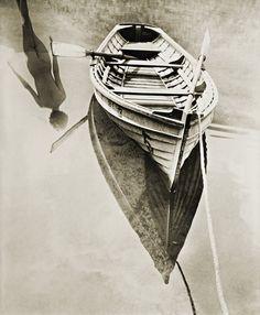 Un reflejo en la lente deMinayoshi Takada (1950).