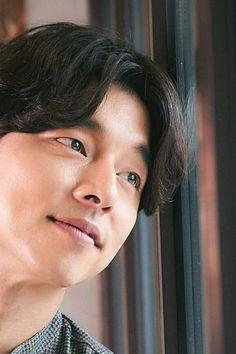 Gong Yoo | 공유 | Gong Ji Chul | 공지철 #gongyoo #gongjichul #hmgongyoo Gong Yoo, Star Awards, Film Awards, Asian Actors, Korean Actors, Ji Eun Tak, Kim Go Eun, Korean Entertainment, Theme Song
