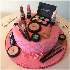 Birthday Makeup Cake from Make Up Torte, Make Up Cake, Love Cake, Makeup Birthday Cakes, Birthday Cakes For Teens, Fondant Cakes, Cupcake Cakes, Mac Cake, Cake Designs For Girl
