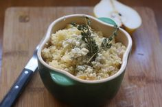 Couscous with pears and grilled cheese
