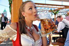 Photos of Jordan Carver at Oktoberfest. Photos of Jordan Carver at Oktoberfest. Oktoberfest History, Oktoberfest Beer, Octoberfest Girls, German Oktoberfest, Oktoberfest Costume, Modelos Pin Up, Babe, Beer Girl, Mugs