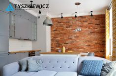 Piękne mieszkanie w idealnym stanie o powierzchni 85 m2 bardzo przestronne, jasne i słoneczne składa się z salonu z aneksem kuchennym o południowo-wschodniej wystawie okien, trzech niezależnych pokoi, łazienki i przedpokoju. #tyszkiewicz #gdynia #mieszkanie #trojmiasto #morze CHCESZ WIEDZIEĆ WIĘCEJ? KLIKNIJ W ZDJĘCIE Kitchen Cabinets, Home Decor, Decoration Home, Room Decor, Cabinets, Home Interior Design, Dressers, Home Decoration, Kitchen Cupboards
