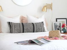 Sencillez y estilo LOW COST en un dormitorio con toques DORADOS!