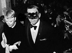 Frank Sinatra and Mia Farrow at Truman Capote's Ball. The Plaza Hotel, 1965. Harry Benson