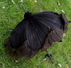 ANTIQUE 1800'S SILK VICTORIAN PARASOL BLACK CHIFFON MOURNING DRESS CARVED HANDLE - omg love this