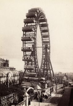 Francis Frith Big Wheel, Blackpool, Angleterre, vers 1896 - I think that wheel is still there. At least my son went on one last summer that looked damn old. Photography Themes, History Of Photography, Nostalgic Images, British Seaside, The Old Days, Paris, British History, Vintage Photographs, Back In The Day