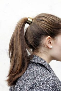Metallic ponytail ring