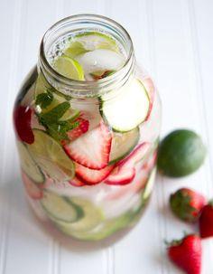 Eau detox : découvrez 17 recettes faciles d'eau détox pour s'hydrater sans les kilos...