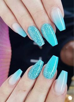 Blue Nail Designs Pictures check out these fabulous ideas of glitter mali blue nail art Blue Nail Designs. Here is Blue Nail Designs Pictures for you. Blue Nail Designs check out these fab. Blue Nail Designs, Acrylic Nail Designs, Blue Glitter Nails, Nail Art Blue, Sky Blue Nails, Blue Ombre Nails, Glitter Acrylics, Uñas Fashion, Nagellack Trends