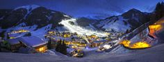 Millions of you enjoy the ski resorts of Europe because they are among the most beautiful in the world! Discover the best ski resorts in Europe. Amazing Destinations, Holiday Destinations, Best Places To Travel, Places To Visit, Austria Holidays, Best Ski Resorts, Snow Skiing, Arno, Winter Scenes
