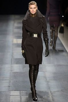 Givenchy Fall 2003 Ready-to-Wear Collection Photos - Vogue