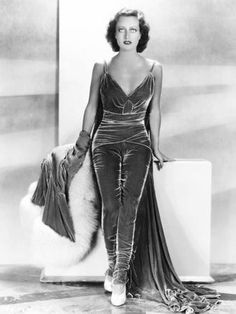 Old Hollywood Style, Vintage Hollywood, Old Hollywood Glamour Dresses, Hollywood Fashion, Classic Hollywood, Vintage Black Glamour, Vintage Beauty, Vintage Style, Classic Actresses