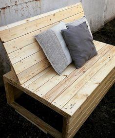 Recycled wooden pallet bench future home поддоны Pallet Patio Furniture, Outdoor Furniture Plans, Table Furniture, Furniture Ideas, Furniture Quotes, Wooden Furniture, Wooden Pallet Projects, Pallet Crafts, Pallet Ideas