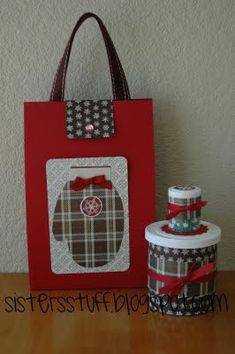 I made these for neighbor gifts last Christmas, but may use the idea for Valentine's...