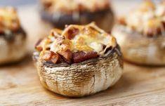 Ekspresowe przekąski last minute - 6 pomysłów! Appetizer Recipes, Appetizers, Bruschetta, Lchf, Guacamole, Baked Potato, Tapas, Grilling, Muffin