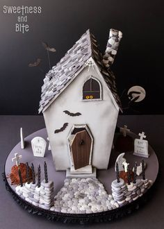 Halloween cake - by Sweetness and Bite