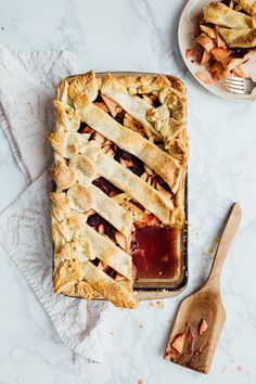 How to make an apple, blackberry, & thyme slab pie for Thanksgiving.