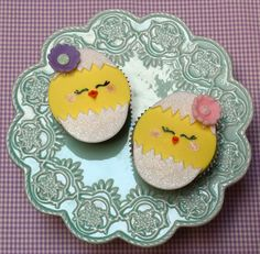 Sweet girly chick cupcakes.