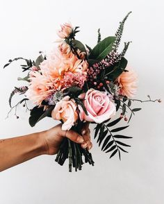 flower bouquet – I have this thing with flowers. flowers, floral, flora, fauna, … bouquet of flowers – I have … My Flower, Flower Power, Wild Flowers, Beautiful Flowers, Beautiful Bouquets, Pretty Roses, Spring Flowers, Floral Wedding, Wedding Bouquets