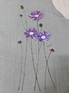 Brush flowers painted in an apron-INSIDE Korea JoongAng Daily Hand Embroidery Dress, Embroidered Clothes, Embroidery Patterns, Dress Painting, Fabric Painting, Watercolor Flowers Tutorial, Fabric Paint Designs, Baby Dress Design, Butterfly Drawing