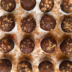 Healthy Snack: Raw Mexican Hot Chocolate Energy Bites #healthytreats #dates