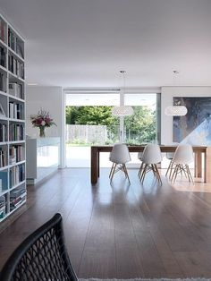 Residential house on the lake by Architects Family houses - eames side plastic chair and bigfoot table and caboche light from Foscarini - White Furniture, Plywood Furniture, Dining Room Furniture, Furniture Design, Space Furniture, Chair Design, Furniture Ideas, Home And Living, Home And Family
