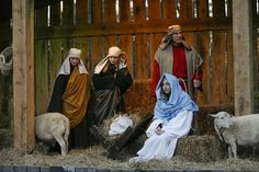 See a live Nativity that offers a glimpse into the wonder of the first Christmas. (Begins at 5:00 p.m.) Christmas at the Library