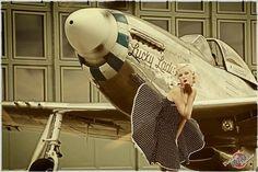 Pin Up | Airplane