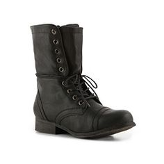 I think these combat boots would look so cute with leggings and the right shirt (They come in brown too!)
