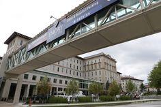 ケント・ブラントリー(Kent Brantly)医師が治療を受けている、ジョージア(Georgia)州アトランタ(Atlanta)にあるエモリー大学病院(Emory University Hospital、2014年8月1日撮影)。(c)AFP/Getty Images/Jessica McGowan ▼4Aug2014AFP|エボラ感染の米国人医師に「回復傾向」、CDC所長 http://www.afpbb.com/articles/-/3022193