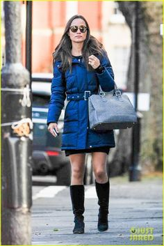 Pippa Middleton braves cold weather in London's Chelsea neighborhood. 2-13-14
