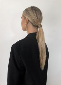 Blonde Hair Looks, Blonde Hair With Highlights, Brown Blonde Hair, Dark Hair, Brunette Hair, Hair Inspo, Hair Inspiration, Medium Hair Styles, Short Hair Styles