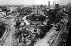 Praça Oswaldo Cruz, durante reforma de sua área em 1975. Manaus. Acervo: Moacir Andrade.