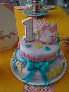 Un très joli gâteau sur le thème de Mademoiselle et Ribambelle  !