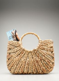 AOL - Lifestyle News, Beauty, Style, Health, Travel & Food - Lilly is Love Bee Gifts, Basket Bag, Summer Bags, Fashion Bags, Straw Bag, Bag Accessories, Purses And Bags, Lifestyle News, Handbags