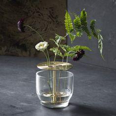 Nieuw de Ikebana vaas small. Ontwerp Jaime Hayon. €99,-- op voorraad.