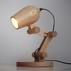 Светильник настольный из дерева