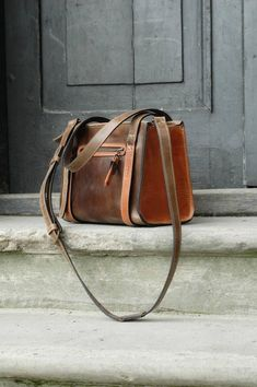 fd09fd6422c handbags Lederen Portemonnees, Lederen Handtassen, Vintage Leer,  Natuurlijke Materialen, Antiek Goud