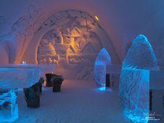 Kemin lumilinna,Bar made of ice